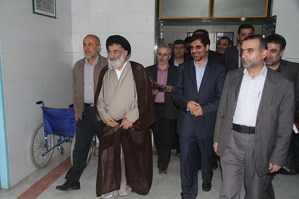 حضور حضرت آیت الله جباری در بیمارستان امام خمینی (ره) بهشهر - روز پرستار