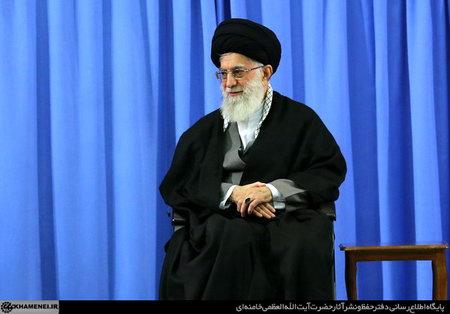 حضرت امام خامنه ای (س) در دیدار با مسئولان نظام و میهمانان کنفرانس وحدت اسلامى
