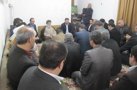 دیدار مسوولان ادارات و نهادهای با حضرت آیت الله جباری بمناسبت آغاز دهه فجر