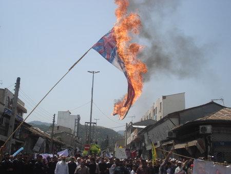 راهپیمایی روز قدس 93 بهشهر ، به آتش کشید پرچم استکبار